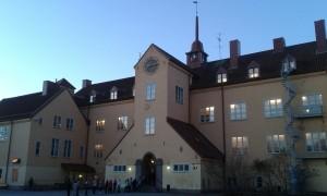 Enskedeskola vid soluppgång. Foto: AnnVixen