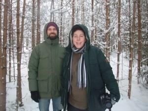 Markus och Agata i magiska skogen vid Flurlundargård. Foto: AnnVixen