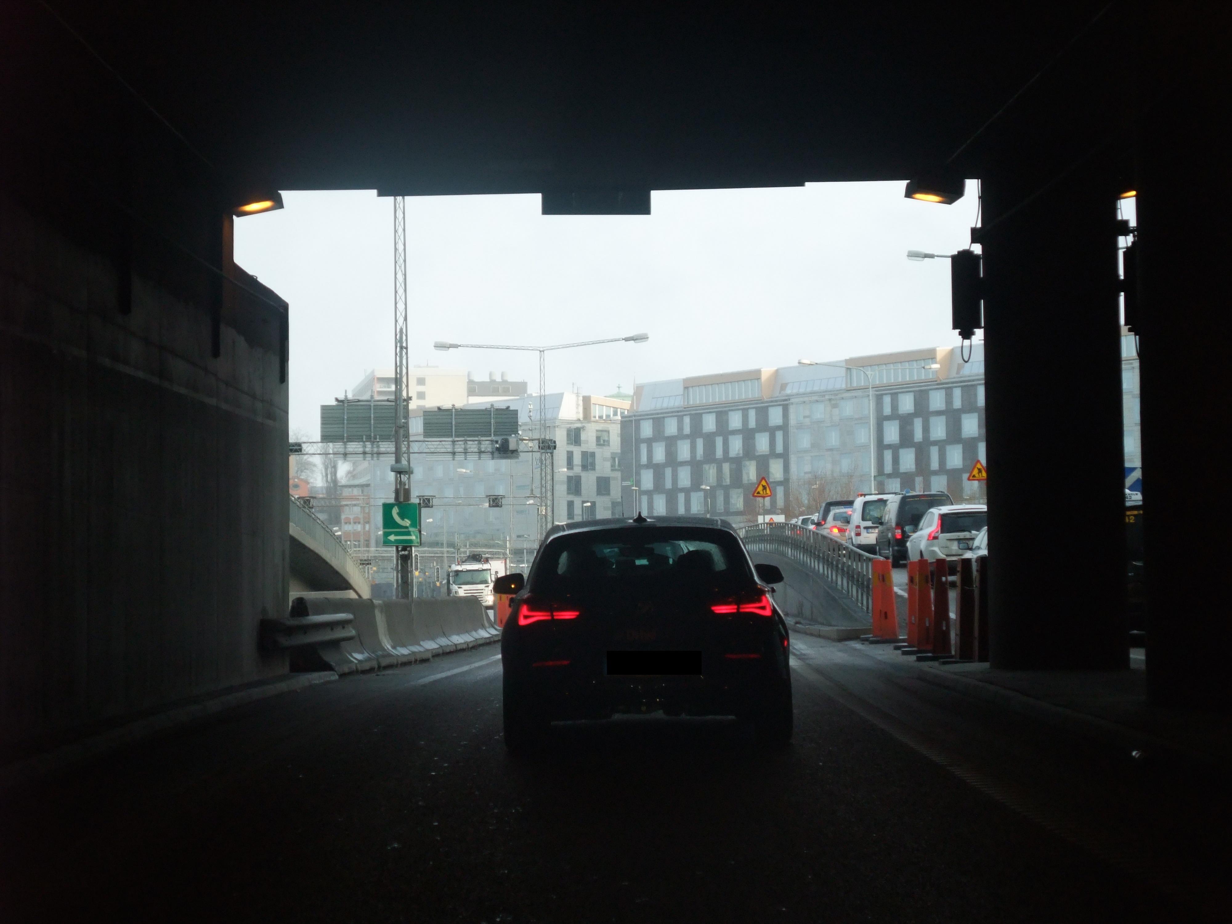 Tänk dig 100 självkörande Volvobilar på vägarna inom kort  Nr020