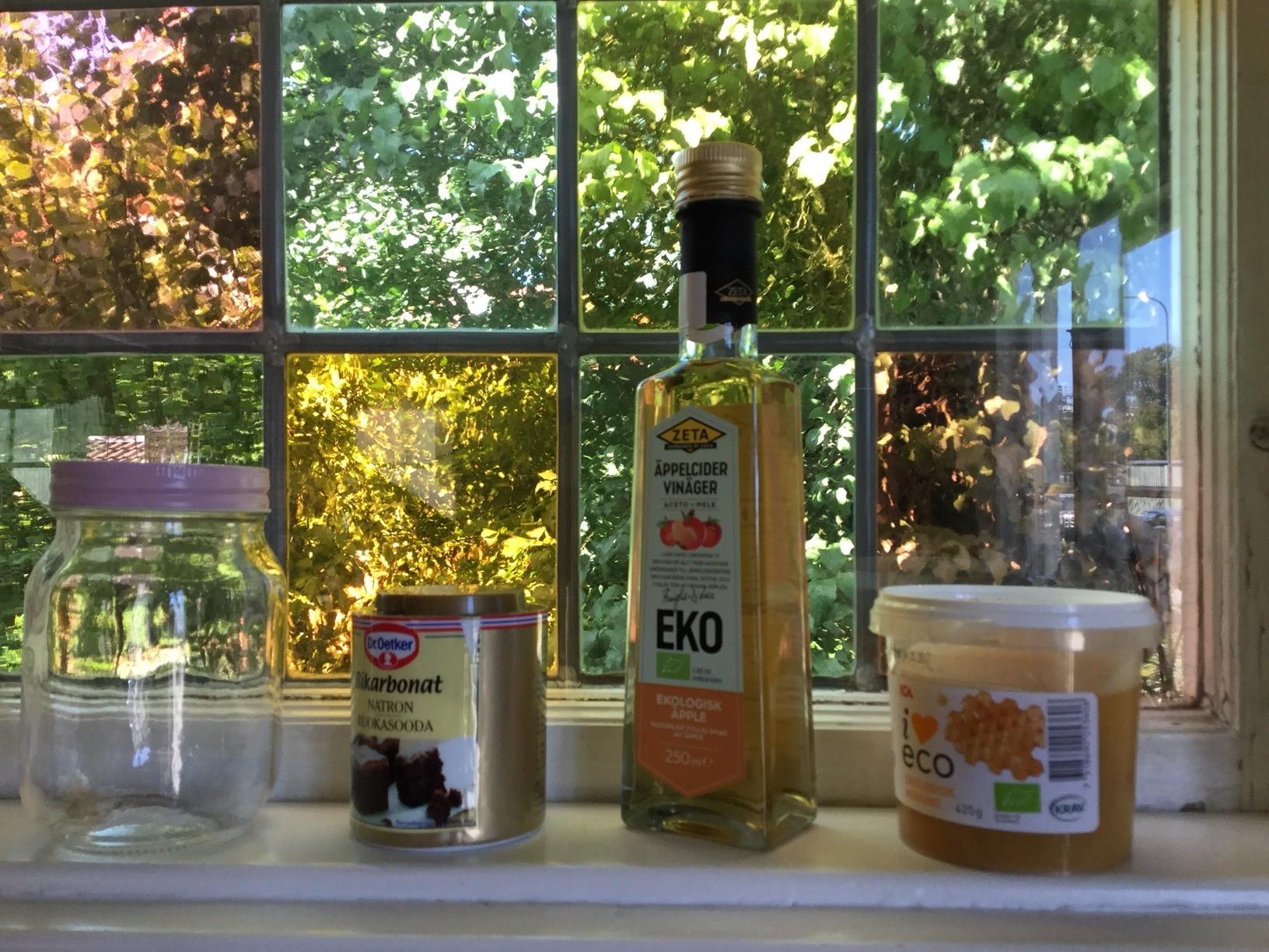 Madeleines hemgjorda shampo  Nr027