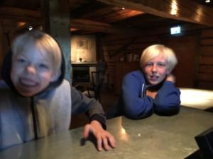 "Sommarlovsjournalisterna ""Foodie"" och ""Gourmet"". Foto: AnnVixen TellusThinkTank.se"